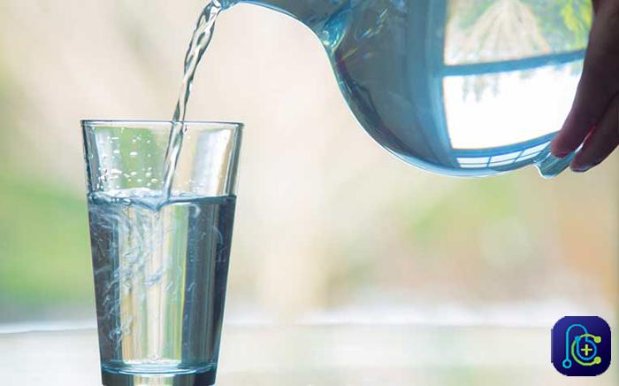 مصرف آب برای درمان بواسیر