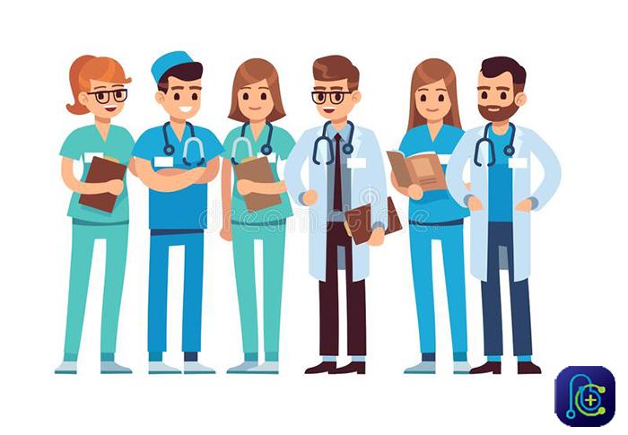 تیم پزشکی برای جراحی لیپوماتیک